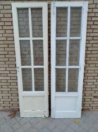 Puertas de madera maciza antiguas bisagras y llave