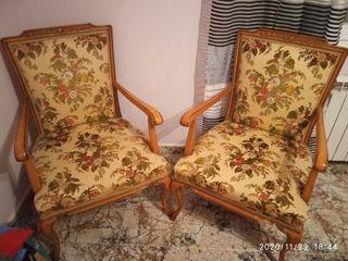 sillón de madera antiguo