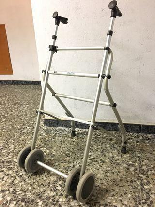 Andador geriatrico