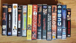Varias películas en VHS.