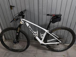 bicicleta btt carbono