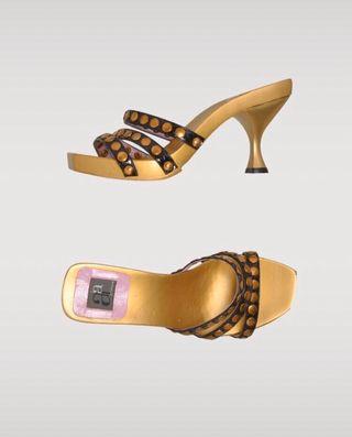 Sandalias tacón piel con tachas