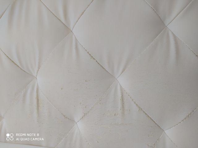 Cabecero de polipiel blanco