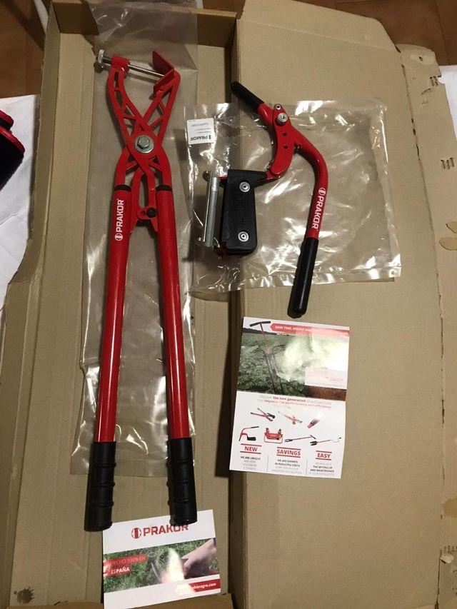 Perforador y conector de tuberías