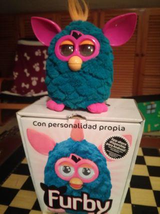 Furby con caja