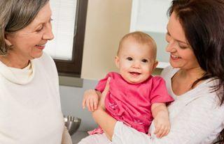 Niñera, cuidado completo de recién nacidos.
