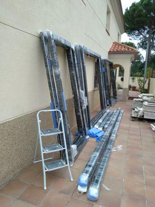 Montajes de aluminio or PVC