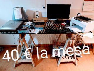 mesa de cristal con patas de madera escritorio
