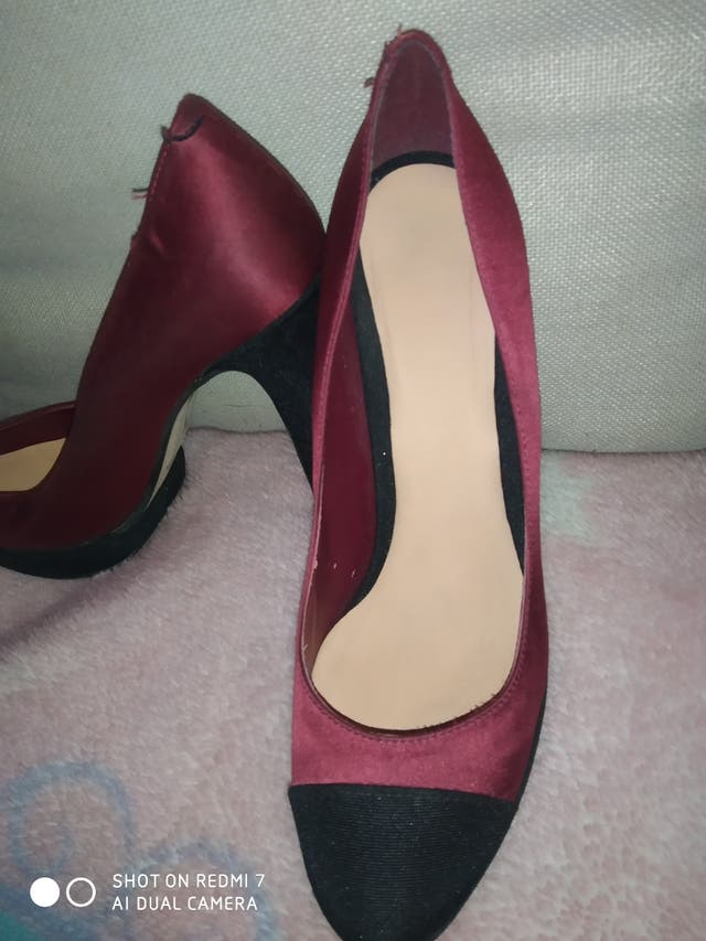 zapatos de tacón elegantes.