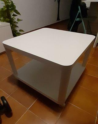 MESA CENTRO IKEA CON RUEDAS