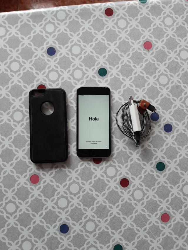 iphone 6s 16gb plata con cargador y funda incluido