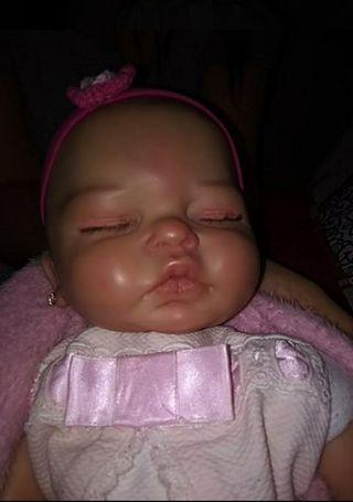 Bebé Reborn niña.
