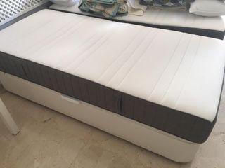 Canapé abatible y colchón de 90 cm