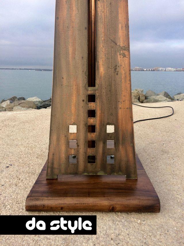 Escultura Lampara pie vintage diseño