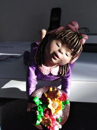 Figura de niña