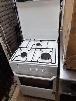 Cocina Corbero Blanca 3 fuegos horno a gas