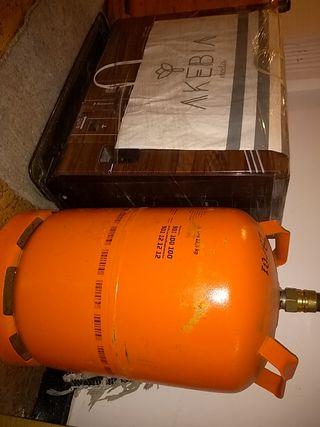 estufa de keroseno (japonesa) y bombona