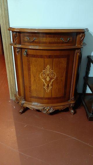 Mueble de entrada clásico