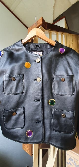 chaqueta torera de cuero negra