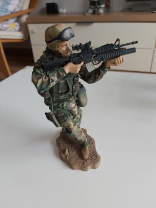 Figura Militar MC Farlane