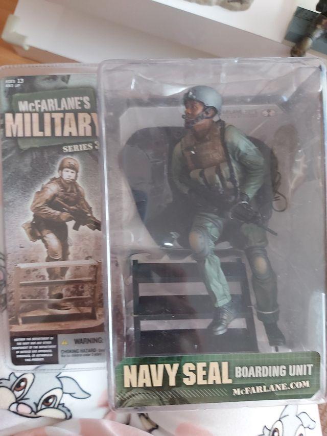 Figura militar MC Farlane, serie 3