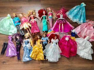 Lote de Barbies, Ken, Príncipe y princesas