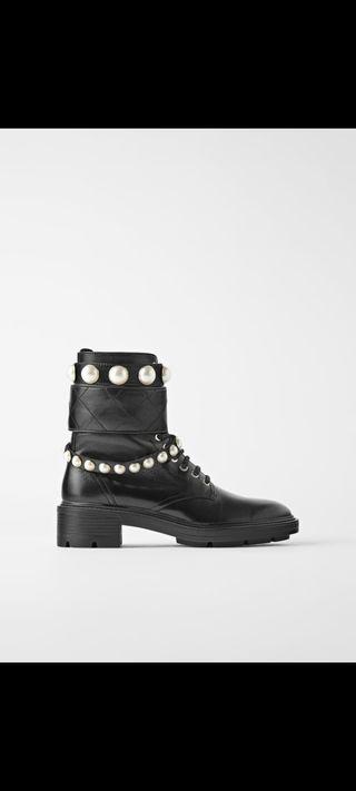 Botas de perlas Zara