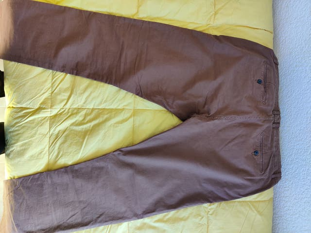 Pantalones chinos marrones