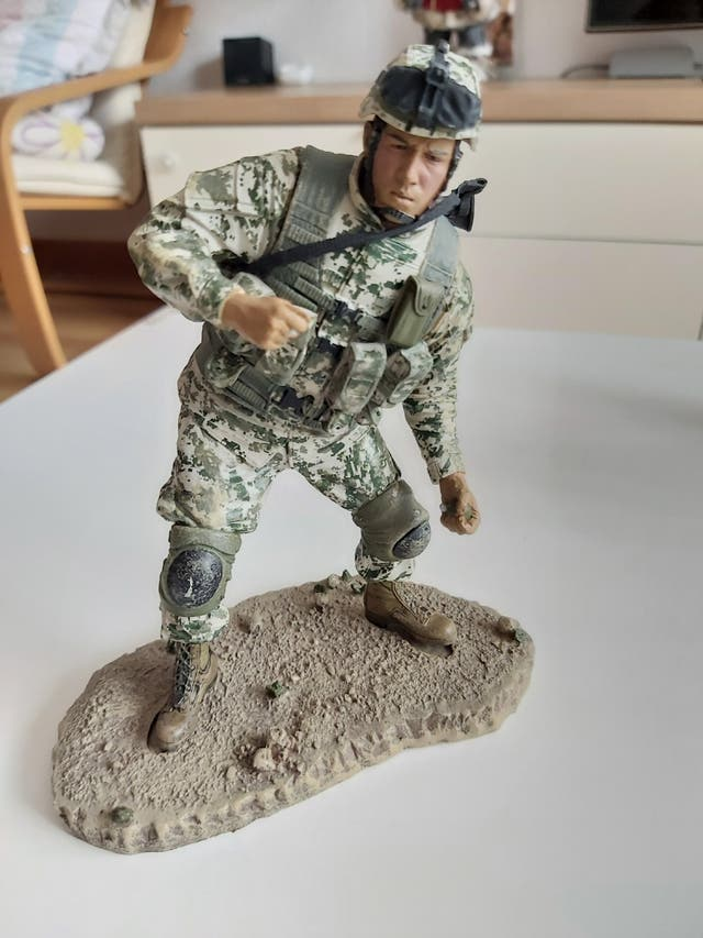 Figura militar MC Farlane serie 6