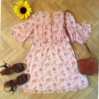 Vestido Sfera rosa gasa flores vaporoso