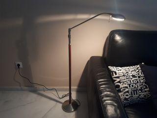 Lámpara de pié para lectura