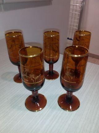 Juego de copas de vino vintage