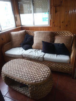 sofá más mesa
