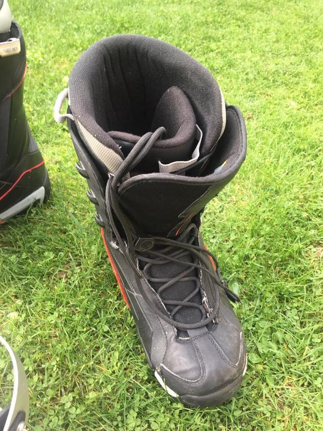 Tabla snowboard Quechua + fijaciones y botas Head