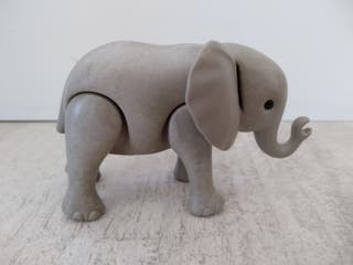 Playmobil, elefante bebé con tara