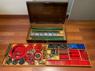 Meccano Outfit 10 -Wooden-Box-Set-Red-amp-Green-