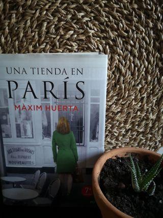 """Libro """"Una tienda en París"""" de Maxim Huerta"""