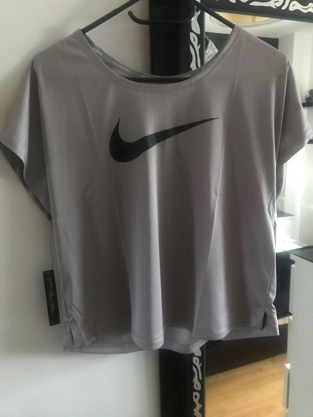 Camiseta de Nike nueva con etiqueta talla M