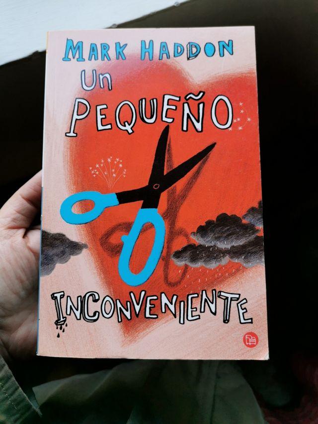 """Libro """"Un pequeño inconveniente"""" Mark Haddon"""