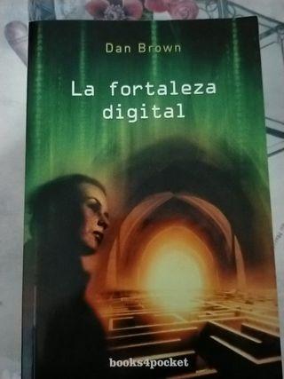 libro de dan Brown. la fortaleza digital.