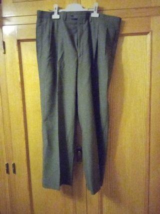 Pantalon T 48 verde militar de Emilio Tucci