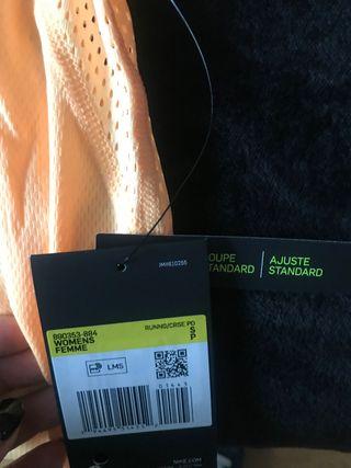 Camiseta de Nike nueva con etiqueta talla s