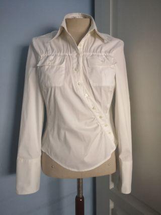 blusa blanca Pedro del Hierro.