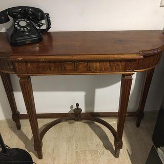 Mesa consola antigua estilo Chippendale