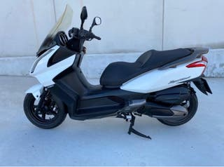 Moto Kymco 300 SuperDink muy bien cuidada!!!