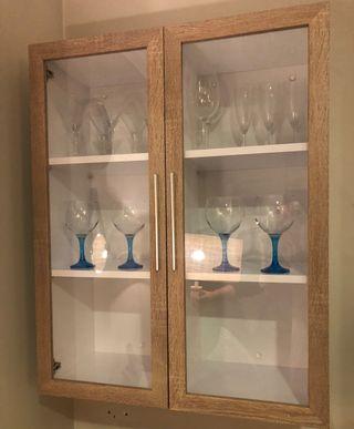 Vitrina de Cristal y madera nueva