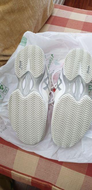 zapatillas padel 37.5 casi nuevas 15€