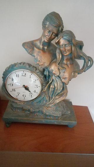 reloj antiguo de marmol