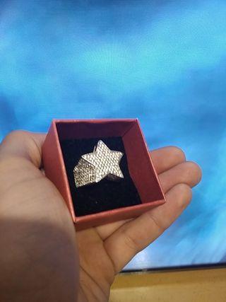Anillo de plata con forma de estrella