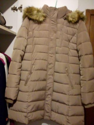 abrigo pluma largo beige